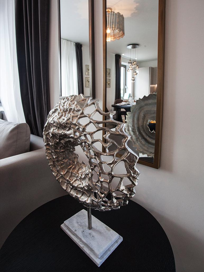 Silver Statue Decorative Art Piece for Interior Design